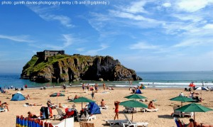 Tenby Castle Beach St Catherines Is_compressed