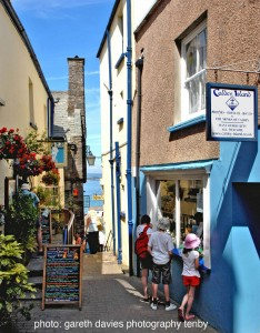Tenby Quay Hill_compressed