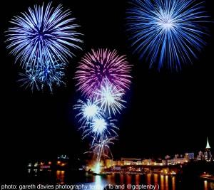 Tenby fireworks 2012_compressed